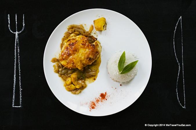 recette de fillet de poulet gratiné, pêches, sauce aux oignons et pêches, avec du riz