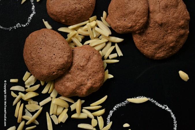 gâteaux, noël, meringue, chocolat, amandes, meringue au chocolat, meringue au chocolat et aux amandes, gourmandise, bouchées, chocolaté, petits gâteaux