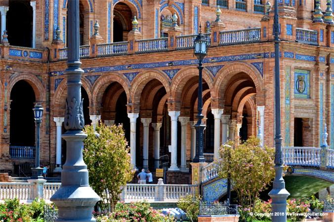 Arcades de la Plaza de España