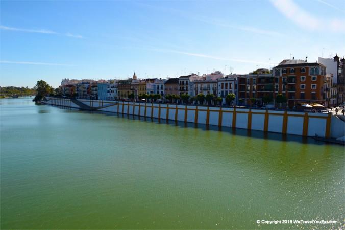 Guadalquivir et calle Betis